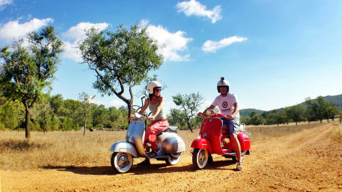Ibiza Island Tour by Vintage Vespa - Groups of 11 friends on scooters